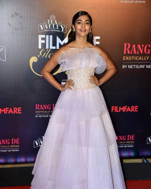 Pooja Hegde - Photos: Red Carpet Of Filmfare Glamour and Style Awards 2019