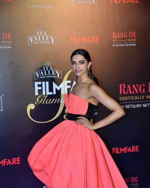 Deepika Padukone - Photos: Red Carpet Of Filmfare Glamour and Style Awards 2019