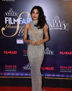 Jahnavi Kapoor - Photos: Red Carpet Of Filmfare Glamour and Style Awards 2019 | Picture 1626887