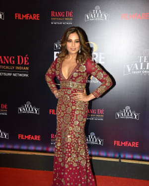 Bipasha Basu - Photos: Red Carpet Of Filmfare Glamour and Style Awards 2019