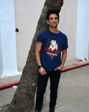 Sushant Singh Rajput - Photos: Sonchiraiya Cast at Mehboob Studio For Promotions | 1630133