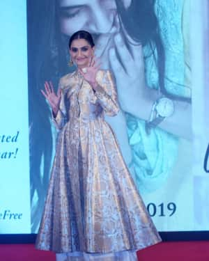Sonam Kapoor - Photos: Press Conference & A Closer Look Into Ek Ladki Ko Dekha Toh Aisa Laga
