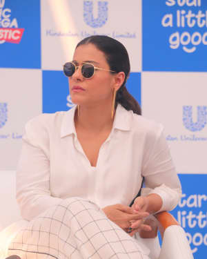 Photos: Kajol at Plastic Banega Fantastic Event by Unilever at Mahim Beach