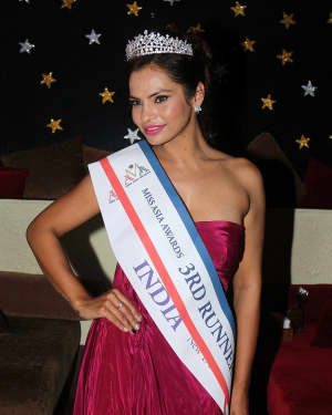Photos: Akanksha Singh Winner Of 3rd Runner Up At Miss Asia Awards
