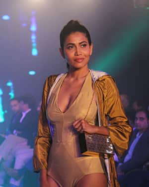Photos: Celebs Walk The Ramp During The Exhibit Tech Fashion Tour | 1607640
