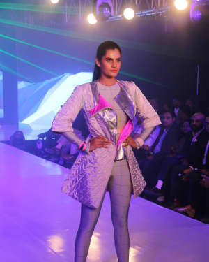 Photos: Celebs Walk The Ramp During The Exhibit Tech Fashion Tour