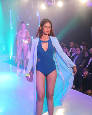 Photos: Celebs Walk The Ramp During The Exhibit Tech Fashion Tour | 1607641