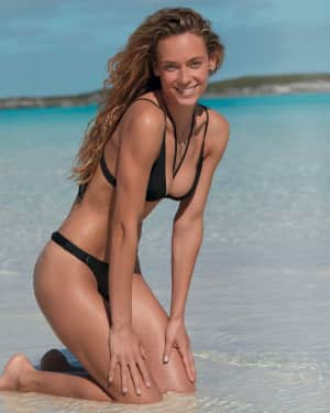 Hannah Ferguson Bikini in 'Würth Modelkalender 2018' Calender 2018   Picture 1536286