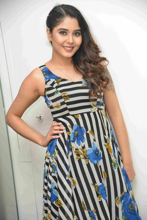 Aishwarya Sindogi @ Mataash Film Press Meet Photos
