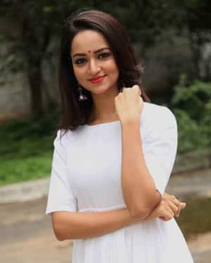 Shanvi Srivastava - Ravichandra Kannada Film Launch Photos