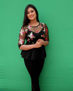 Amrutha Iyengar at Anushka Film Photoshoot | Picture 1597519