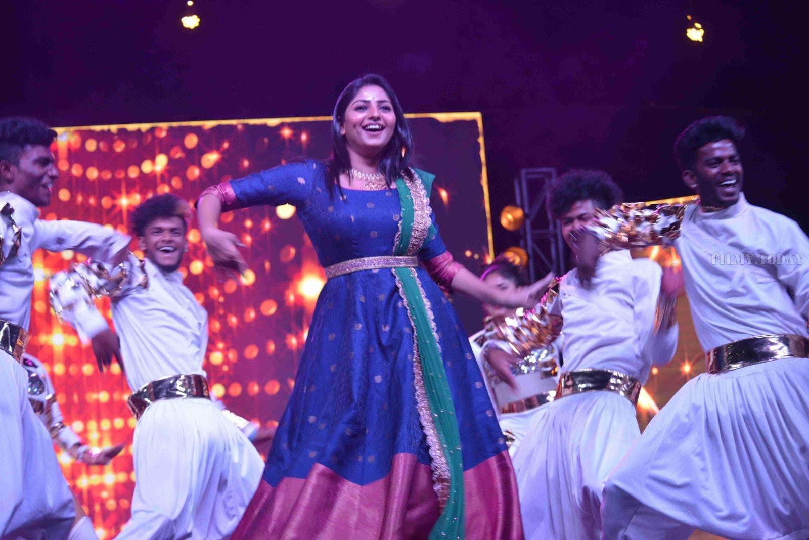 Picture 1561085   Pics: Actress Priya Banerjee Hot Photoshoot