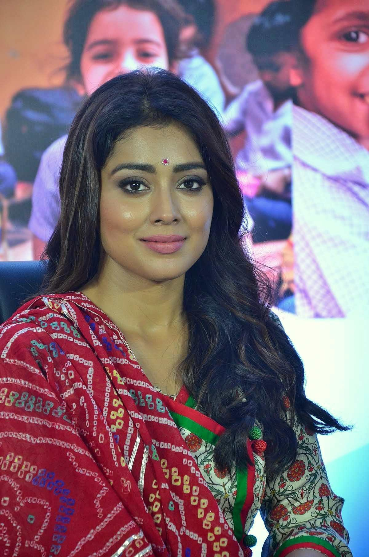 Shriya Saran @ Quaker and Smile Foundation's 'Feed A Child' Event Stills