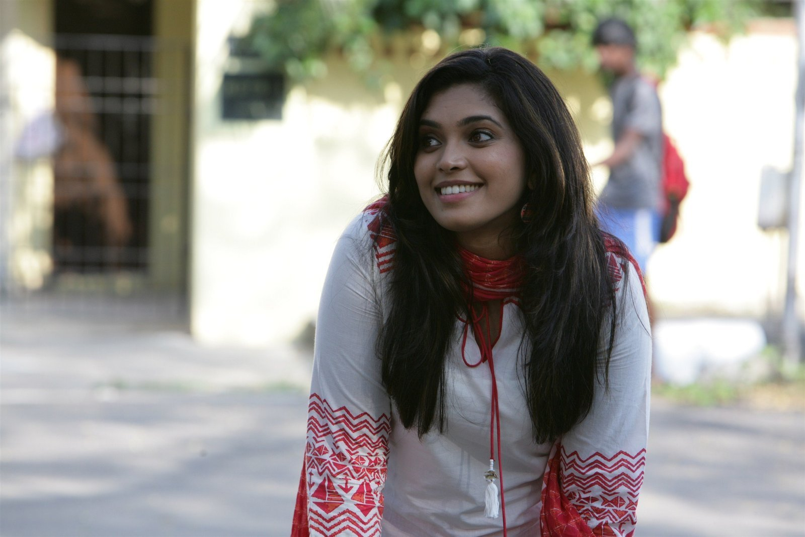 Ishara Nair @ Adhi Maedhavigal Movie Stills