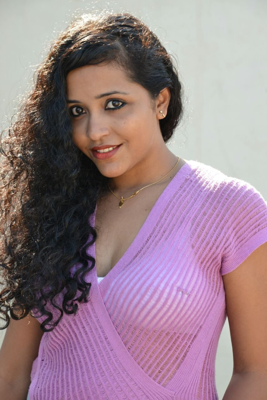 Actress Anusha Nair New Photoshoot