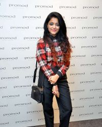 Janani Iyer - The launch of Autumn Winter Collection 2017 Photos