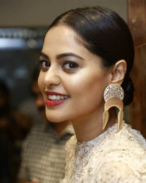 Actress Bindu Madhavi inaugurates Salon Blow at Velachery Photos