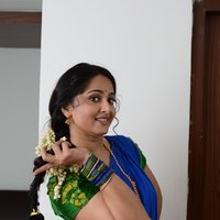 Anushka Shetty - Sokkali Mainar Movie Hot Stills