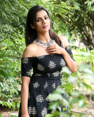 Sruthi Hariharan - Solo Malayalam Movie Chennai Press Meet Photos | Picture 1532413