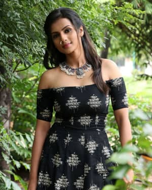 Sruthi Hariharan - Solo Malayalam Movie Chennai Press Meet Photos | Picture 1532414