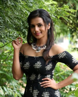 Sruthi Hariharan - Solo Malayalam Movie Chennai Press Meet Photos | Picture 1532416