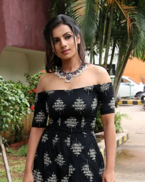 Sruthi Hariharan - Solo Malayalam Movie Chennai Press Meet Photos | Picture 1532386