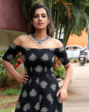 Sruthi Hariharan - Solo Malayalam Movie Chennai Press Meet Photos | Picture 1532381