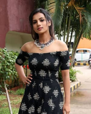Sruthi Hariharan - Solo Malayalam Movie Chennai Press Meet Photos | Picture 1532382