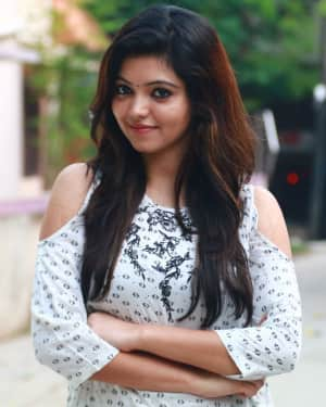 Actress Athulya Ravi at Sathya Fashion Home Launch Photos | Picture 1535505