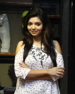 Actress Athulya Ravi at Sathya Fashion Home Launch Photos | Picture 1535488