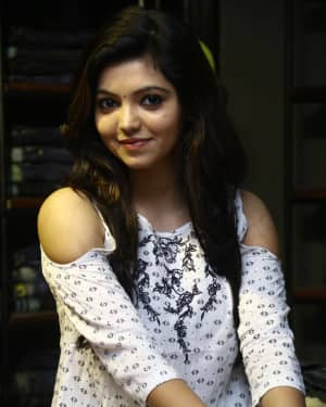 Actress Athulya Ravi at Sathya Fashion Home Launch Photos | Picture 1535495