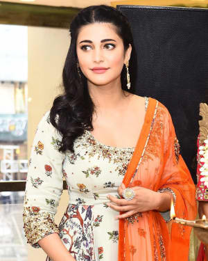 Actress Shruti Haasan launches Neeru's the First Flagship Family Store