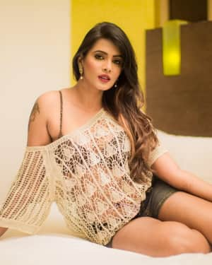 Actress Meera Mitun Latest Hot Photoshoot