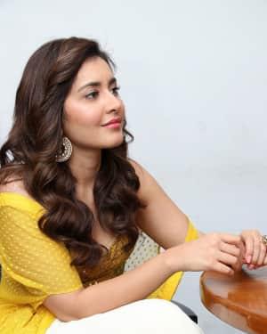 Raashi Khanna - Adanga Maru Movie Press Meet Photos