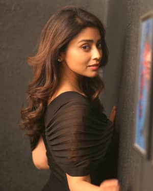 Actress Shriya saran Latest Photos