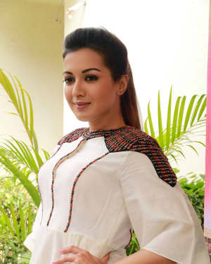 Catherine Tresa - Kalakalappu 2 Movie Press Meet Photos | Picture 1558552