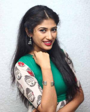 Roshini Prakash - Yemaali Movie Stills