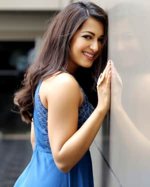 Actress Catherine Tresa Latest Photoshoot by Arun Prasath | Picture 1587293