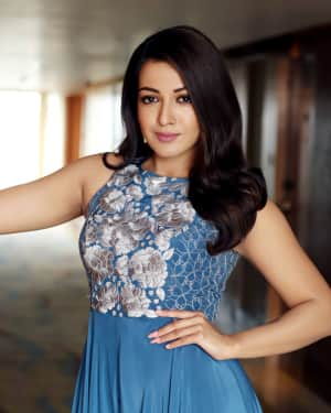 Actress Catherine Tresa Latest Photoshoot by Arun Prasath | Picture 1587307