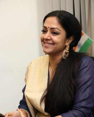 Jyothika - Kaatrin Mozhi Movie Press Meet Photos