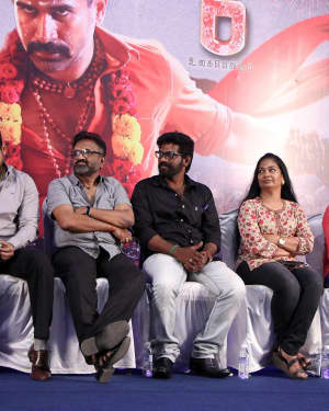 Thimiru Pudichavan Film Press Meet Photos