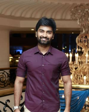 Atharvaa Murali - Mano Bala's Son Harish - Priya Wedding Reception Photos