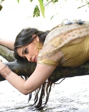 Raai Laxmi - Neeya 2 Film Hot Stills