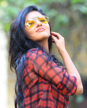 Actress Gayathri Suresh Portfolio Photoshoot | Picture 1525618
