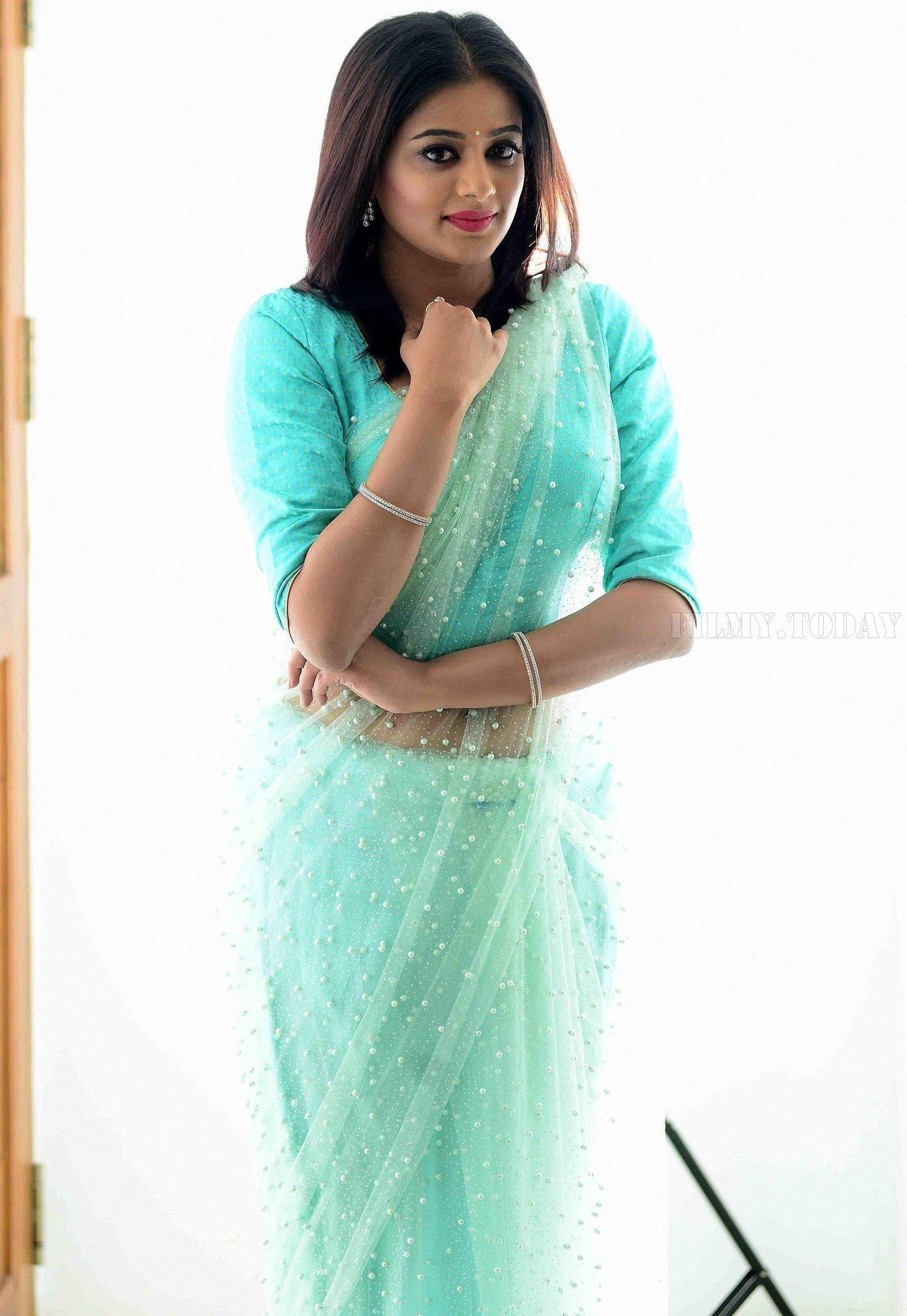 Actress Priya Mani Hot in Transparent Saree Photoshoot | Picture 1528083