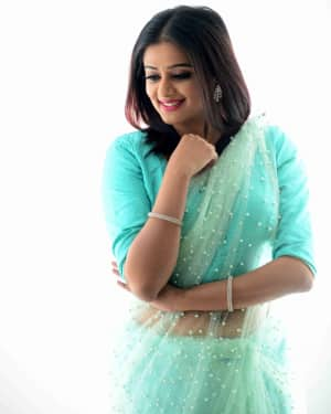 Actress Priya Mani Hot in Transparent Saree Photoshoot | Picture 1528090