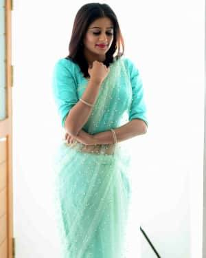 Actress Priya Mani Hot in Transparent Saree Photoshoot | Picture 1528084
