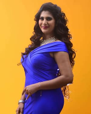 Actress Neha Saxena Hot Photos | Picture 1531391