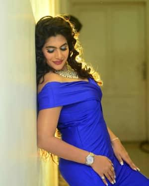 Actress Neha Saxena Hot Photos | Picture 1531411