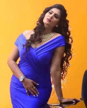 Actress Neha Saxena Hot Photos | Picture 1531395